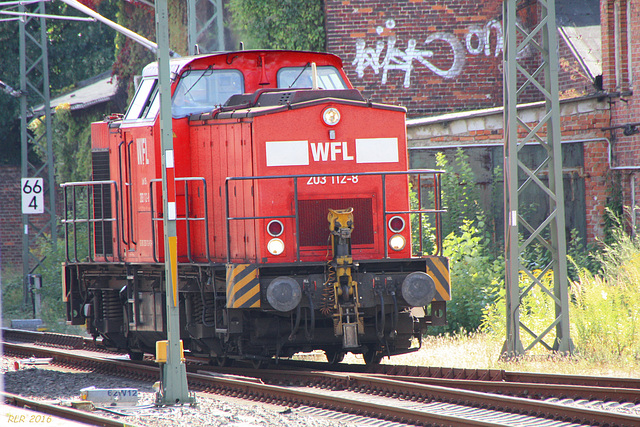 Diesellok V 100 (WFL 203 112-8) in Schwerin vor dem Eisenbahnmuseum