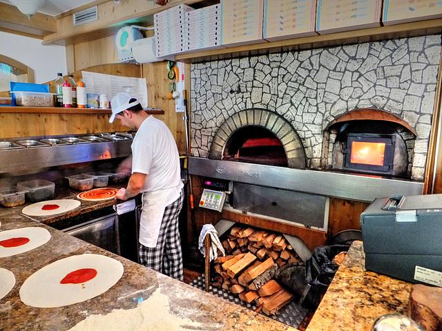 Pizza-Küche am Lago di Ledro. ©UdoSm