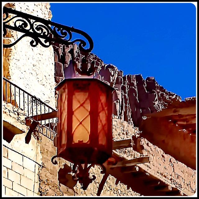 SINAI : all'interno del monastero un raro ed antico lampione ad olio