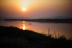 Sunset ar Irrawaddy River/ Bagan
