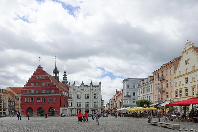 Markt Greifswald (© Buelipix)