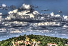 BELFORT; 2015.07.20 La tour de la Miotte sous les nuages....