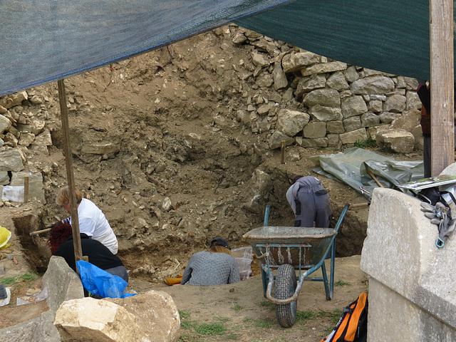 Manastirine : fouilles de la nécropole.