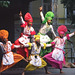 Sikha ensemblo el Norda Barato okupiĝanta pri speciala tradicia batalarto