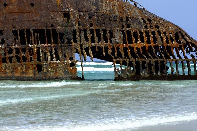 Rostiges Tor zum Meer