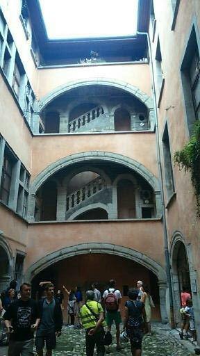 escalier à loggias du XVIIe