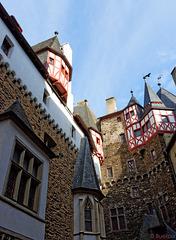 Burg Eltz (© Buelipix)