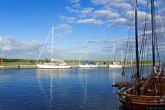 Hafen Ahrenshoop - am Saaler Bodden (© Buelipix)