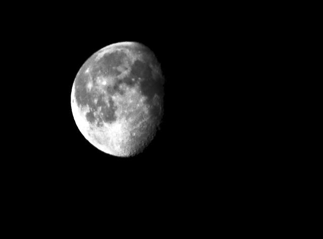 Abnehmender Mond um 7 Uhr 52