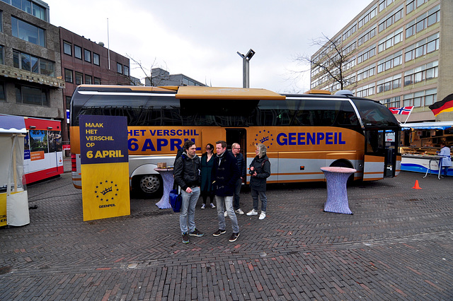 Campaign bus for the April 6 referendum