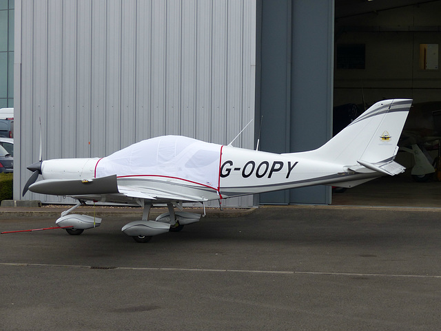 G-OOPY at Turweston - 22 March 2016