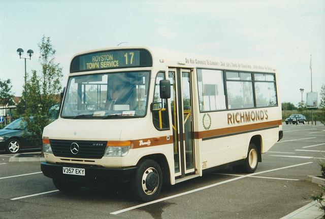 Richmond's V357 EKY at Royston - Jul 2000