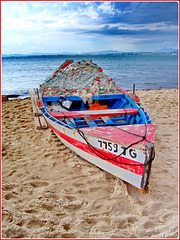 Hammamet : piccola barca con tremaglio