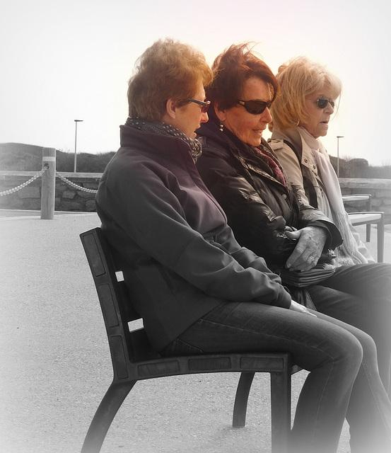 le gang des lunettes noires
