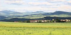 Bizac (43) 5 juin 2017. Vue sur le haut plateau et le massif du Mézenc.