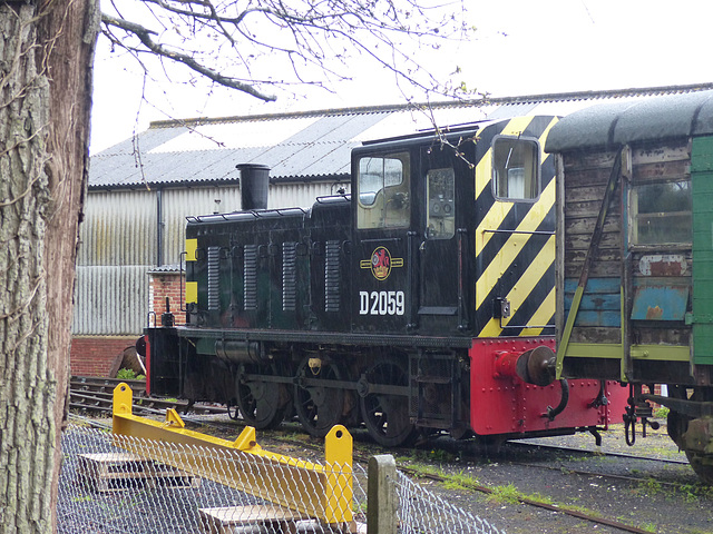 D2059 at Havenstreet (1) - 29 April 2015