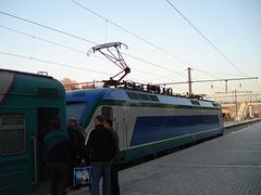 Поезд Самарканд-Ташкент