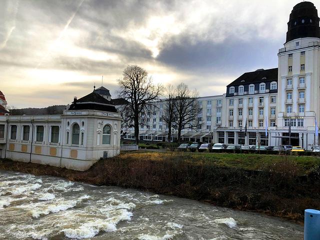 DE - Bad Neuenahr - Blick von der Kurgartenbrücke
