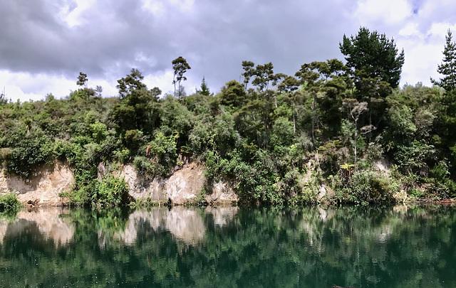 En descendant la rivière Waikato