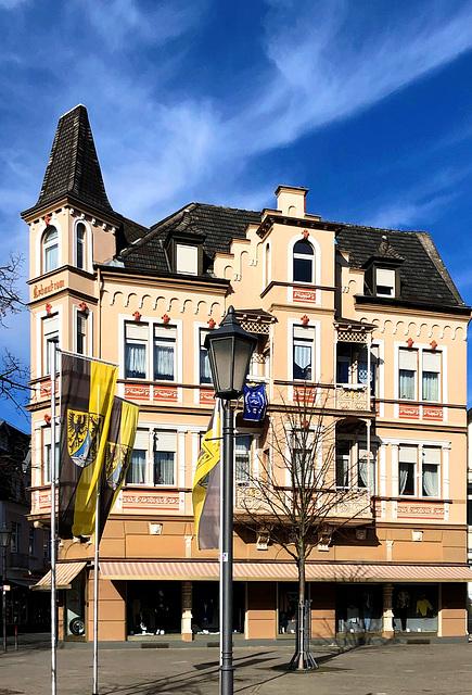 DE - Bad Neuenahr - Platz an der Linde