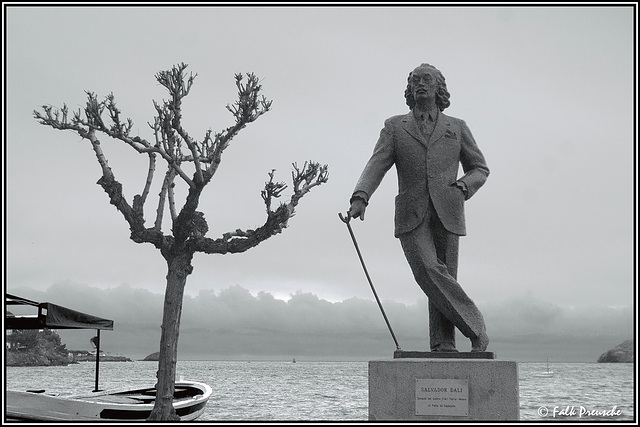 Salvadors Statue