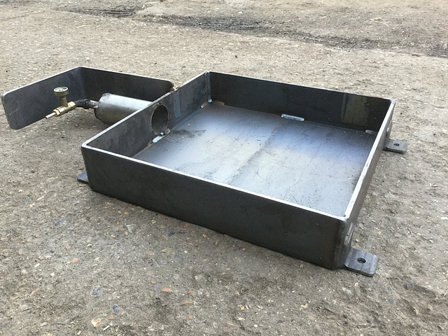 Low mould heater