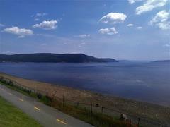Piste cyclable avec vue sur le fjord