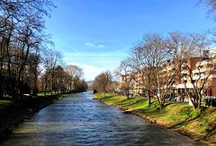 DE - Bad Neuenahr - Die Ahr an einem sonnigen Mittag