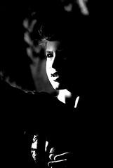 L' obscurité ronge l' innocence