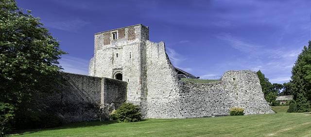 RHM 0489a pano - 3 stitch - Farnham Castle Keep