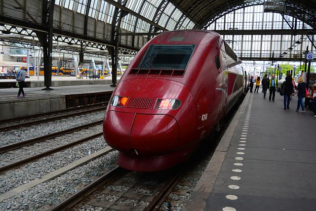 TGV 4346 ready to depart to Paris