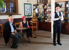 D-ro Zamenhof kun sia edzino Klara en nia Esperanto-Muzeo