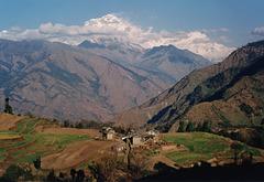 Le 25 avril 2015 : séisme au Népal : plus de 5 000 personnes ont trouvé la mort (comptées à ce jour)