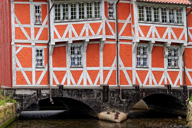 über dem Mühlenbach (© Buelipix)