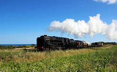 """BR 9F 2-10-0 - 92203 """"Black Prince"""" hauls a short Freight train along the coast to Weybourne ~ 2nd September 2017"""