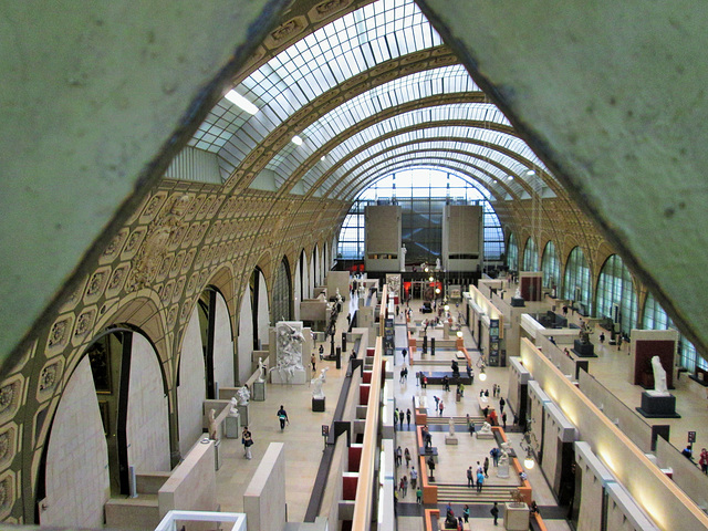 Musee d'Orsay, high above the main alley.