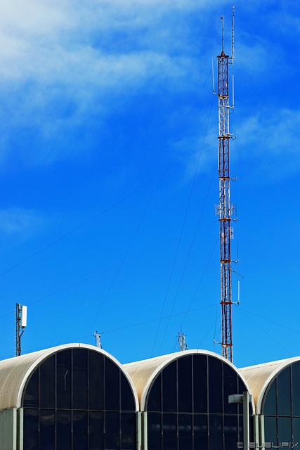 Valencia - auf dem Weg zum Hafen (© Buelipix)