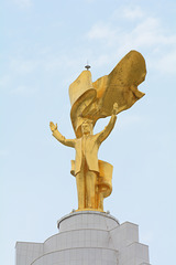 Ashgabat, Sculpture of Saparmurat Niyazov on the Top of Neutrality Monument