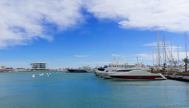 beim Hafen von Valencia (© Buelipix)