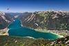 Paraglider über dem Achensee