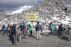 Misleading signboard at the Khardungla Pass