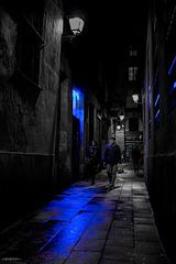 Un reflejo azul