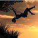 Yves Montand : Une Demoiselle sur une Balançoire