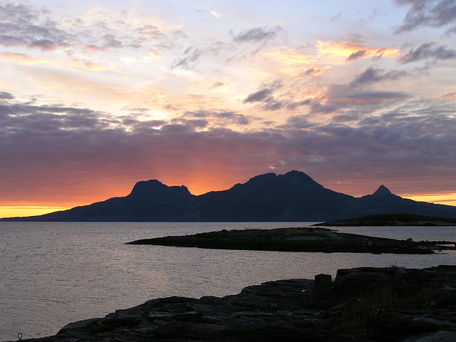 Our last arctic sunset at Løpvika bay with a view of Landegode island