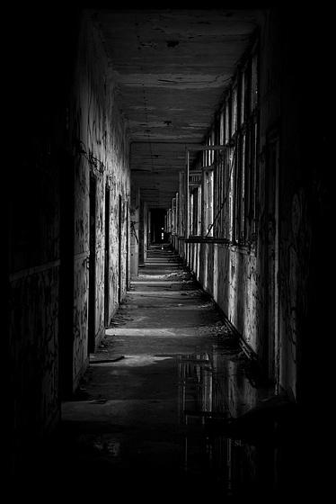 Au fond du couloir
