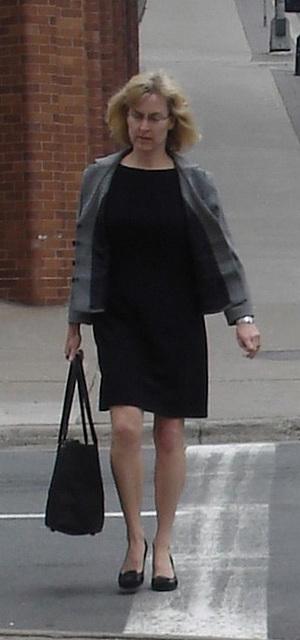 Big purse one way high-heeled Lady