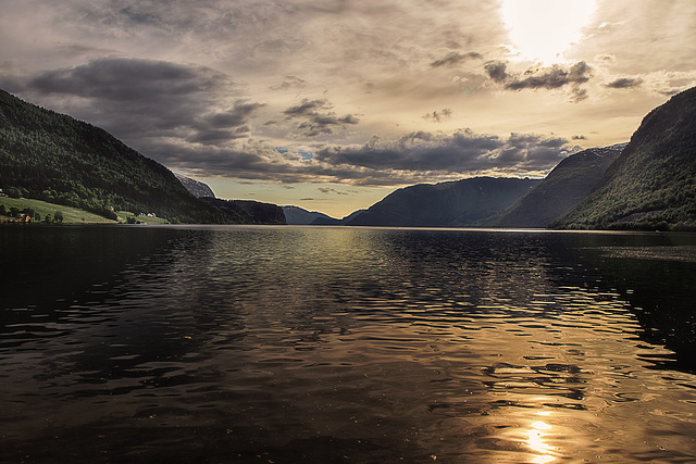 Am Hornindalsvatn