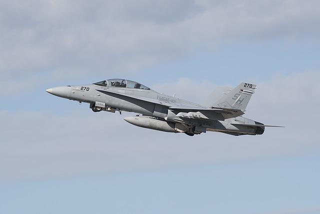 VMFAT-101 McDonnell Douglas F/A-18D Hornet 164211