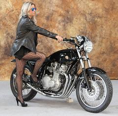 2 (47)...moto with model