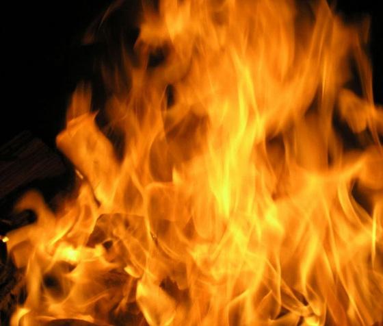 آمدو آتش به جانم کرد و رفت